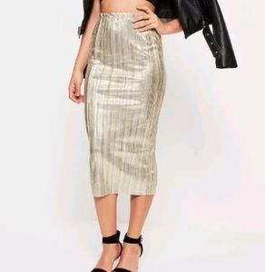 Missguided Gold Foil Slim Pleated Skirt